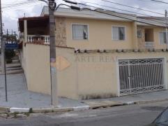 Sobrado / Casa - Vila Guilhermina- 580.000,00