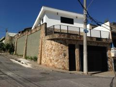 Sobrado / Casa para Alugar, Vila Industrial