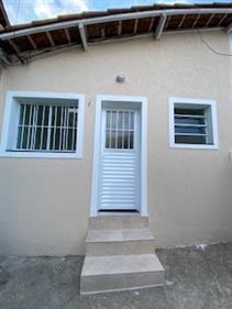 Casa Térrea para Alugar, Santa Teresinha