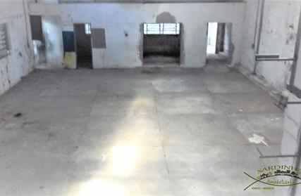Prédio Comercial para Alugar, Ferreira