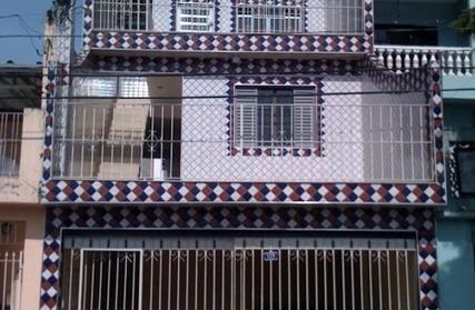 Sobrado / Casa para Alugar, Campo Grande